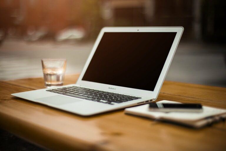 Read more about the article MacBook : les accessoires indispensables (MacBook Pro et Air)